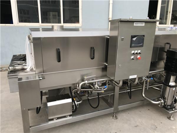 食品配送企业凭借周转箱高温灭菌机械进驻大学