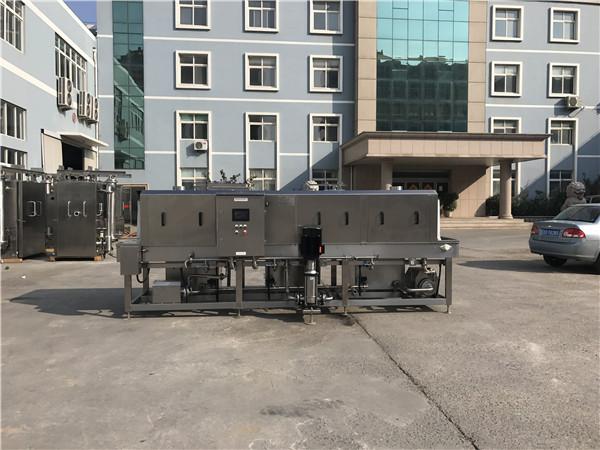 周转箱清洗机保障食品配送最后一道防线